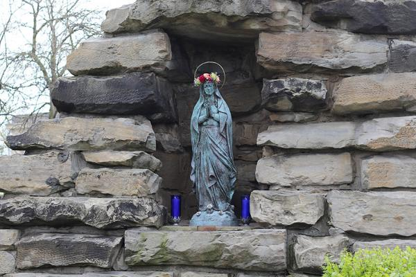 May Crowning: Sacred Heart Honors the Blessed Mother